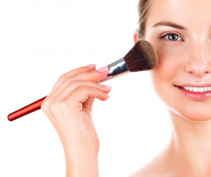 7. Lecke – Az arcpirosító helyes használata