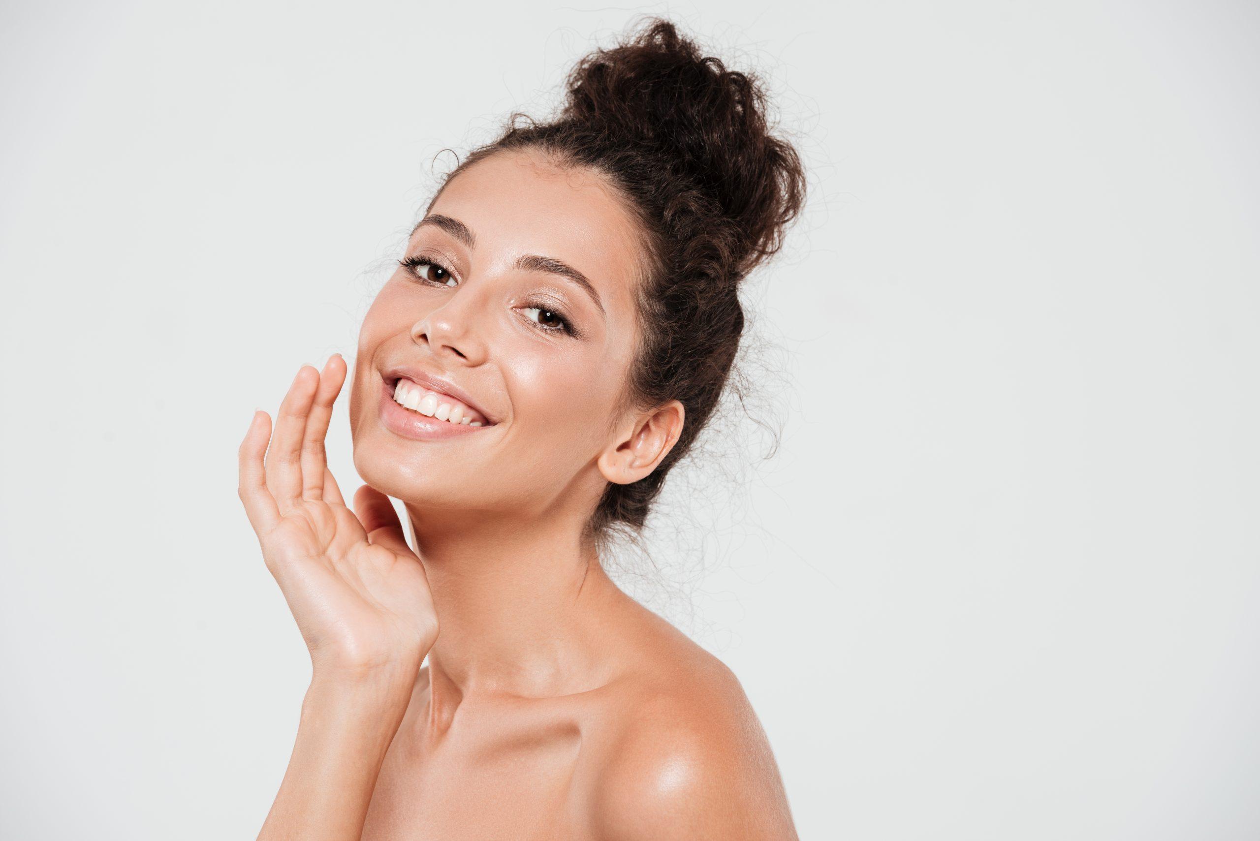 Bőrtípusok sminkelése lépések tippek tanácsok online smink tanfolyam